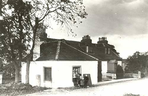 Cairn Duff's little shop sold sweets and postcards at Wardhill, south of Mearnskirk.