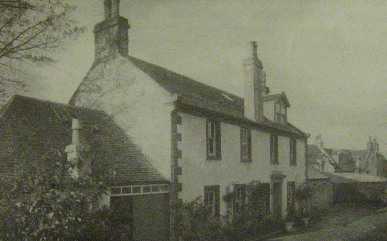 The manse built by the anti burghers was later a private house called Newton House.