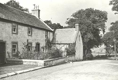 Shawhill stood on the Old Mearns Road, near to Mearnskirk, just north of the Red Lion