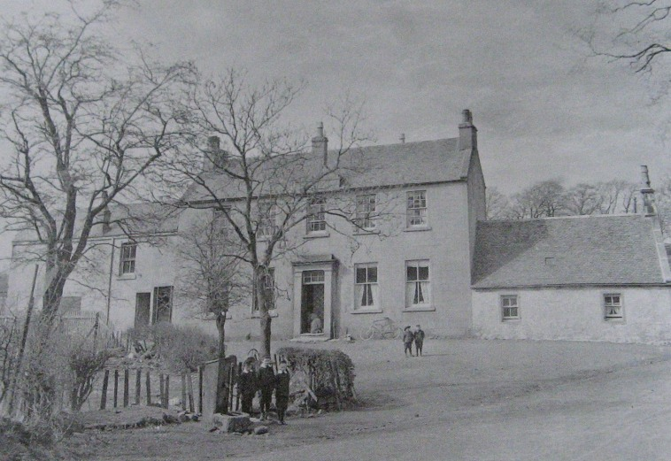 Mearns Parish School at Mearnskirk closed in 1876